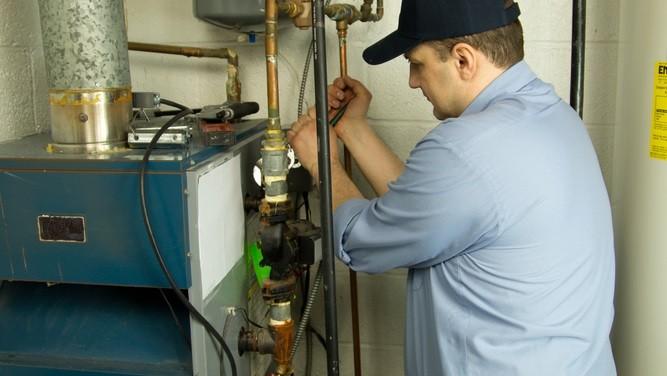 furnace_repair_technician
